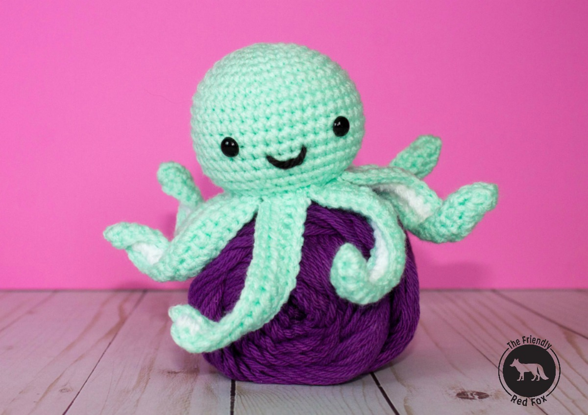 Free Crochet Pattern for Mini Octopus - thefriendlyredfox.com 34af5cbe8992