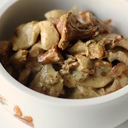 Piletina u sosu od pečuraka sa karijem i senfom