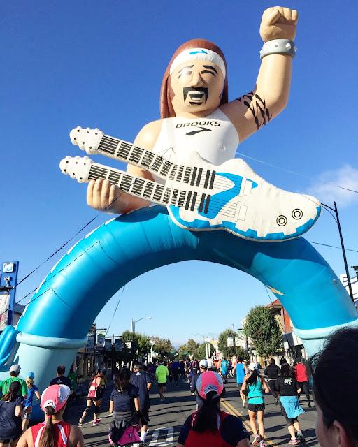 Rock 'n' Roll San Jose Half Marathon Brooks Guitar guy