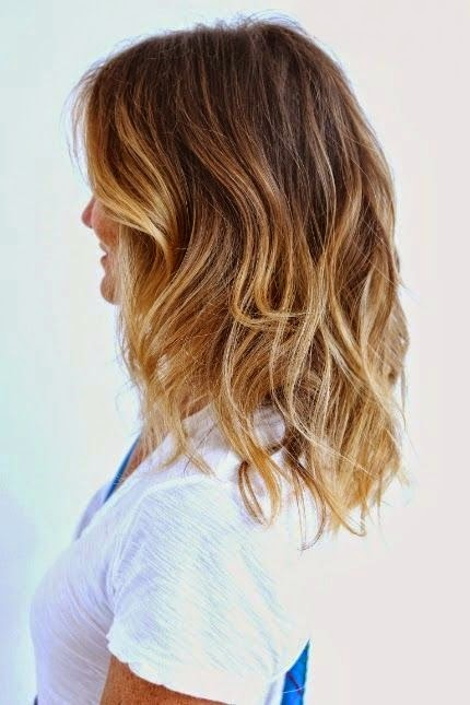 5 Easy Medium Wavy Hairstyle Ideas}