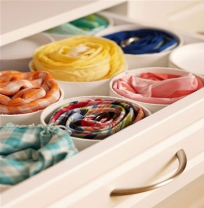 Pipa PVC (paralon) untuk merapikan laci baju