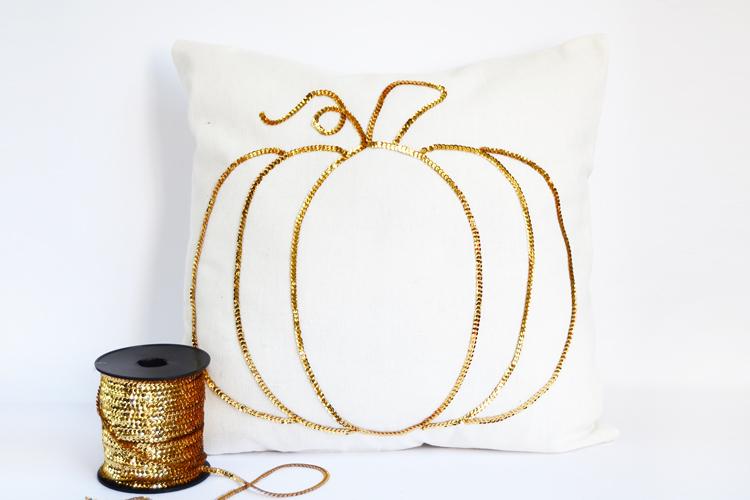 fall pumpkin pillow diy