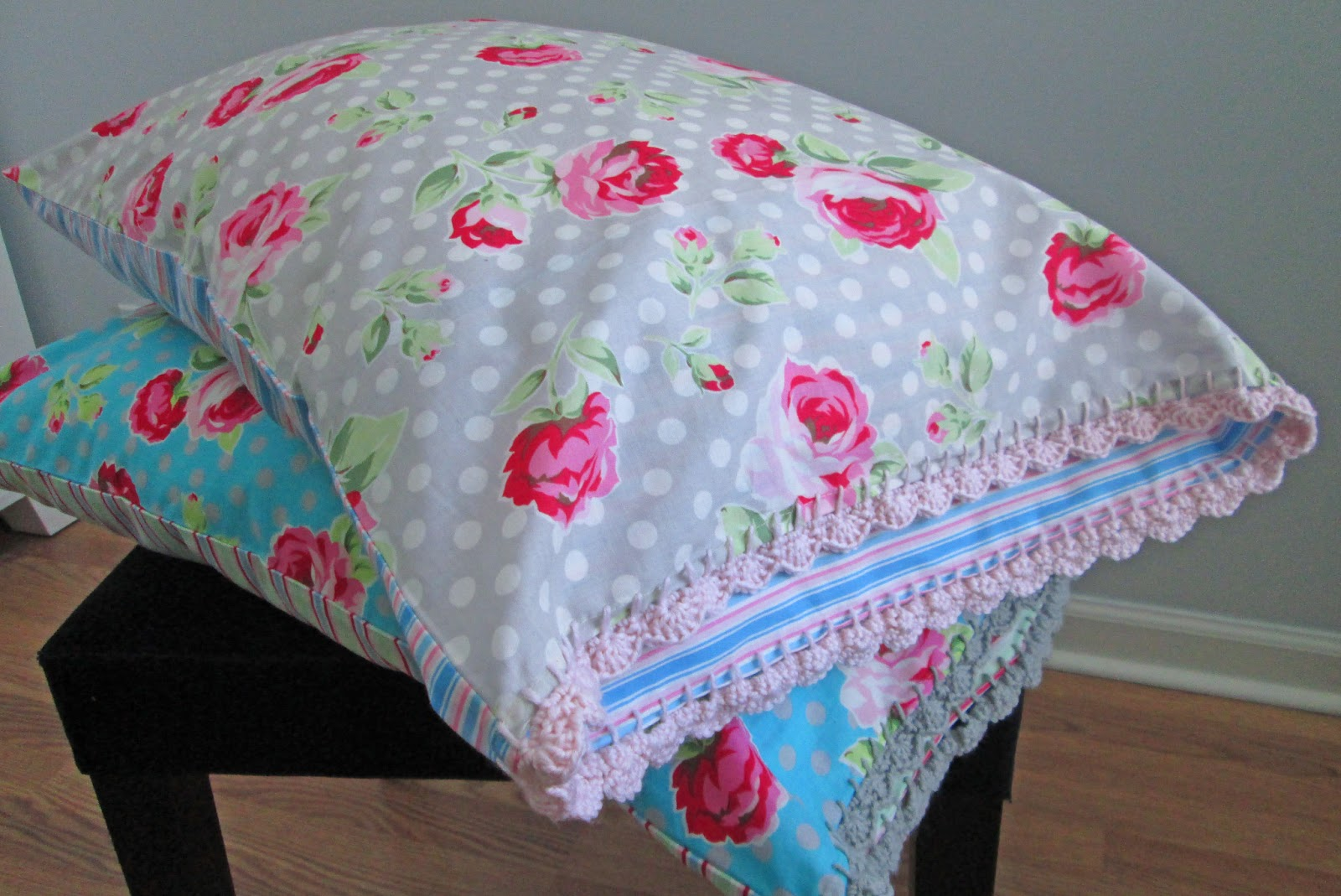 S.o.t.a.k Handmade: Crochet Edge Pillow Covers {take Two}