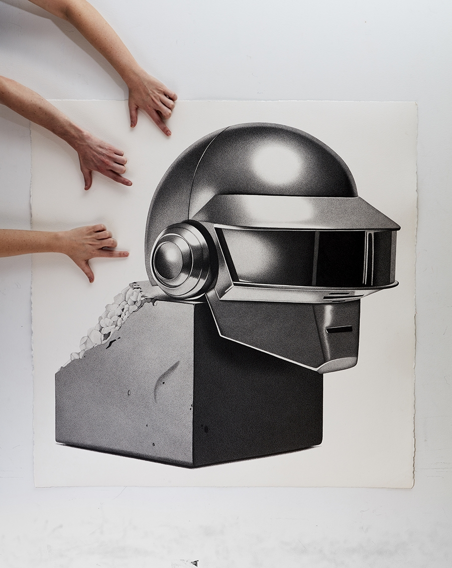 08-Daft-Punk-Helmet-CJ-Hendry-Bronzed-Trophy-Series-Drawings-that-look-like-Photographs-www-designstack-co