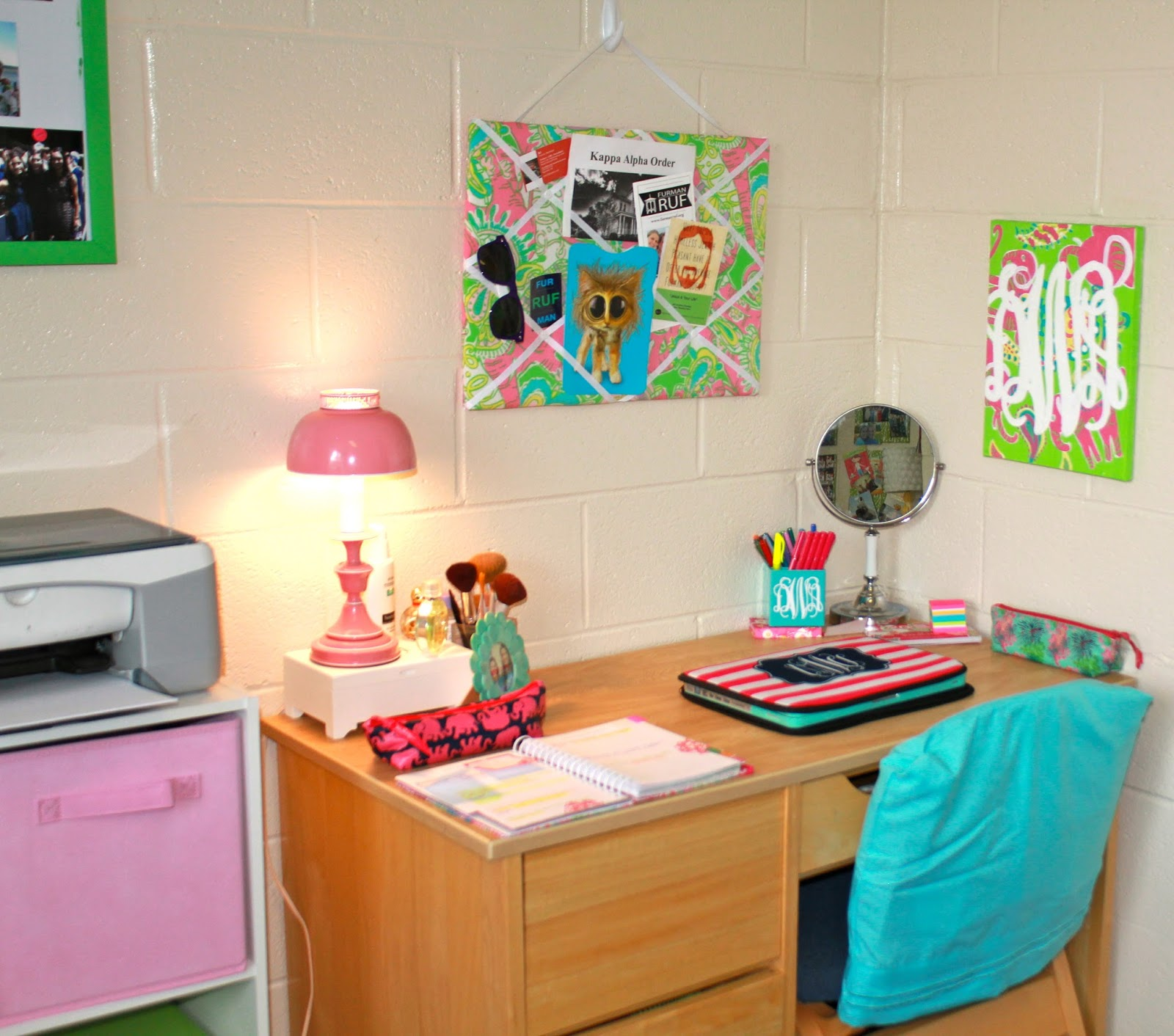 Dorm Room Decorating Study Table
