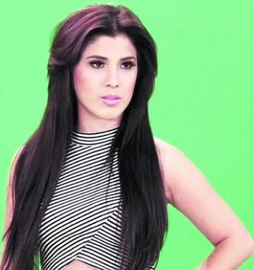 Foto de Yahaira Plasencia más delgado y pelo negro