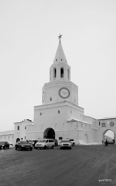 Спасская башня - главные въездные ворота кремля.