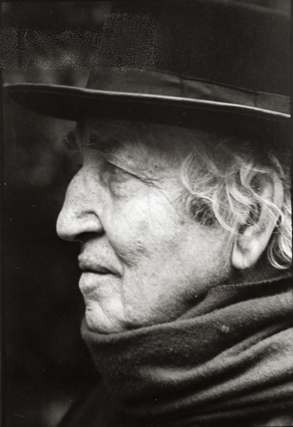 robert graves essays Free essay: robert graves' i, claudius - capturing a strange moment in history tiberius' reign over the roman empire stretched the longest of any emperor.