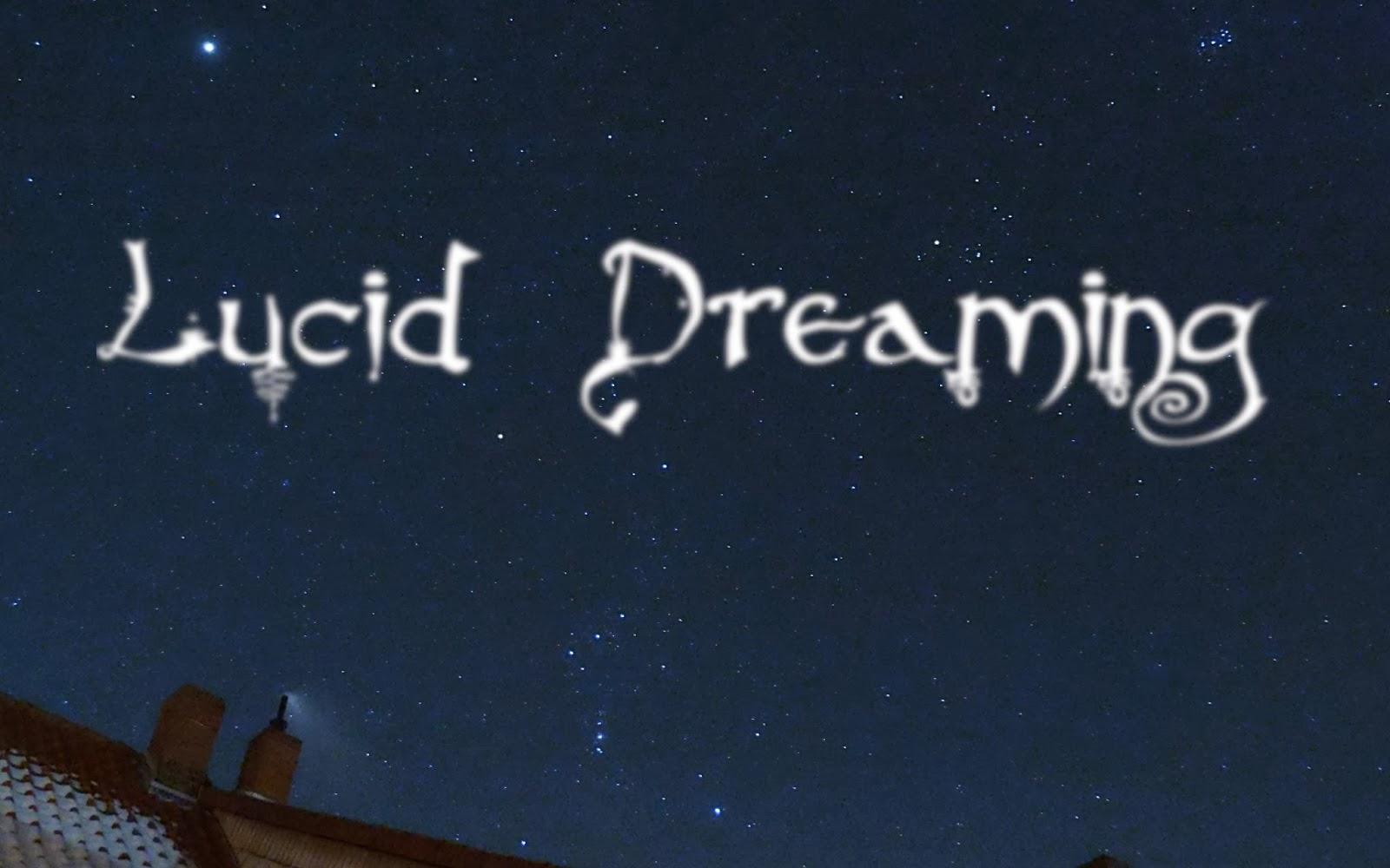 Nachthimmel mit Schriftzug: Lucid Dreaming