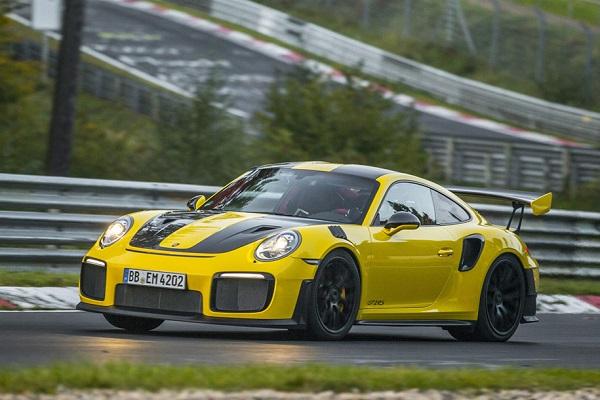 Porsche 911 GT2 RS récord Nürburgring Nordschleife