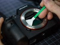 Cara Membersihkan Sensor Kamera dengan Profesional