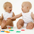 How babies play?