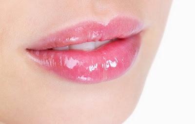 bibir merupakan anggota tubuh yang paling penting untuk menambah daya tarik serta memperc 8 Cara Merawat Bibir Agar Tampil Cantik dan Sempurna