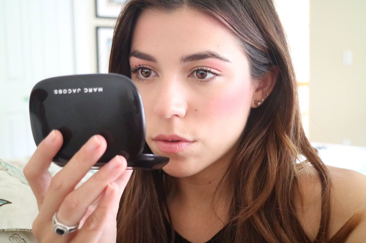"""IS """"DRAPING"""" THE CHICEST WAY TO APPLY BLUSH?"""