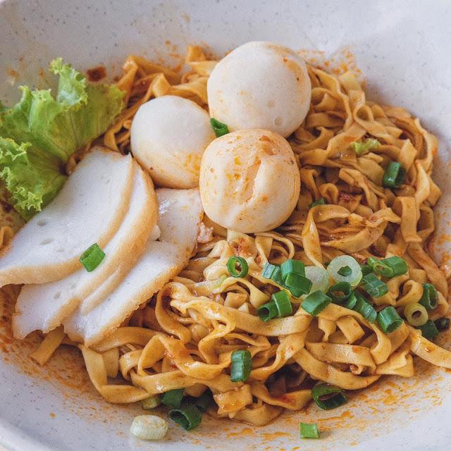 85 Redhill Teochew Fishball Noodle