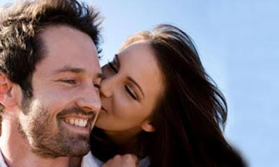 Jenggot Bikin Sensasi Ciuman yang Berbeda