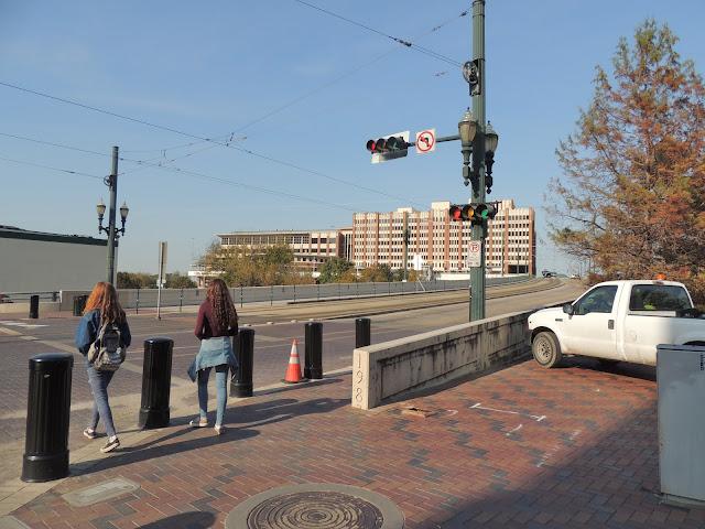 Main Street Bridge over Buffalo Bayou - UH Downtown