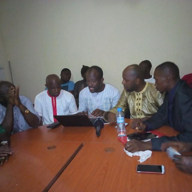 Guinée les forces sociales de Guinée déclinent un nouveau programme de manifestation contre la hausse du prix du carburant