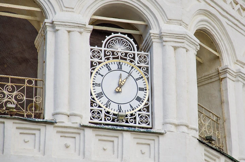 Часы на колокольне. Кострома