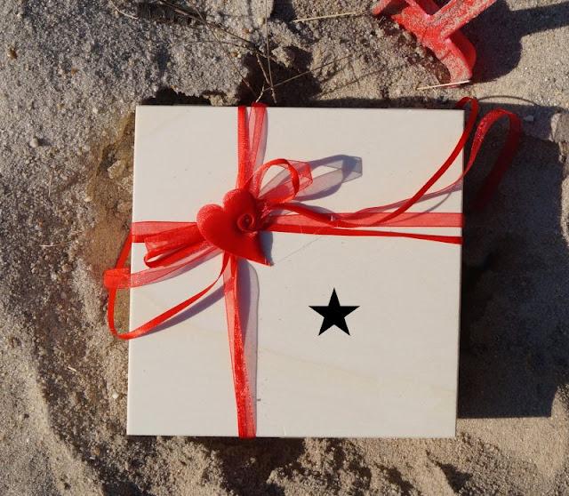 Mein #muttertagswunsch: Anerkennung für mein Sternenkind - Unterstützung für verwaiste Eltern. Zum Muttertag habe ich einen wichtigen Wunsch, der über Blumen und Geschenke hinausgeht. Auf Küstenkidsunterwegs stelle ich ihn Euch vor: Sternenkinder sollen als solche anerkannt werden, Sternenmamis bzw. Sterneneltern die Hilfe und Unterstützung bekommen, die ihnen zusteht.