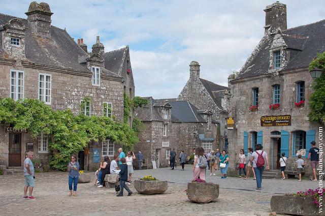 Locronan viaje Bretaña turismo Francia roadtrip pueblos bonitos