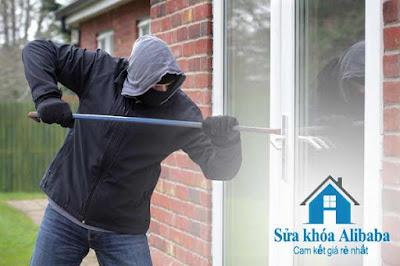hướng dẫn cách phá khóa cửa nhà
