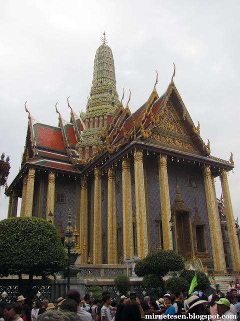 Большой Дворец, Храм Изумрудного Будды