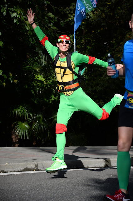 Андрей Думчев, костюм черепашки-ниндзя, Марафон, бег в Сочи