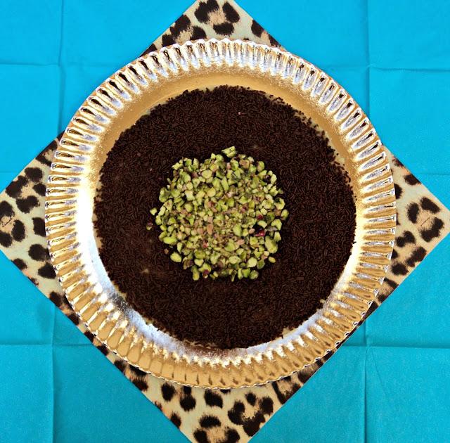 receta casera tarta, obleas, crema, pistachos, chocolate