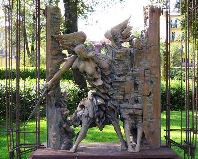 Il Giudizio (The Judgement) by Ugo Riva, Giardino della Gherardesca, Four Seasons Hotel Firenze, Florence