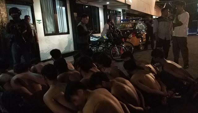 Dengan Cepat Polisi Menangkap 24 ABG Pencuri Toko Pakaian Di Depok
