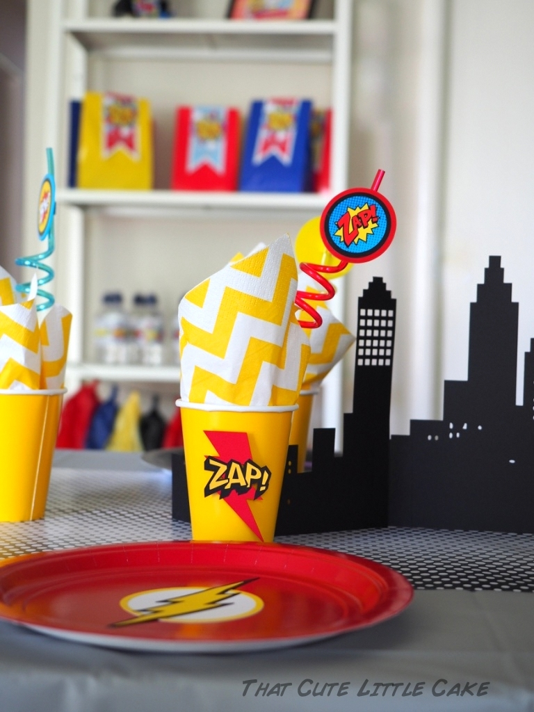 Superhero Birthday Party Ideas - via BirdsParty.com