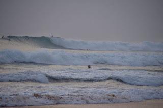 Endlich mal richtige Wellen. Yeah - huge waves.