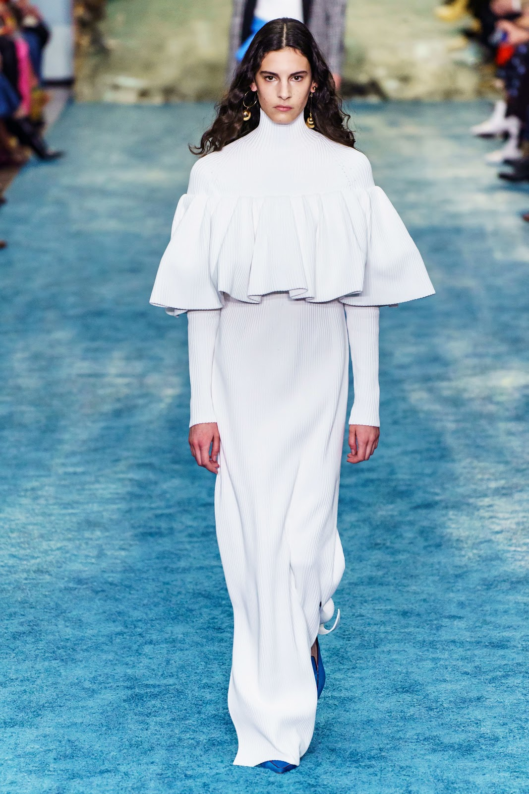 Carolina Herrera Fall-Winter 2019/2020 ~ Runway | Cool ...