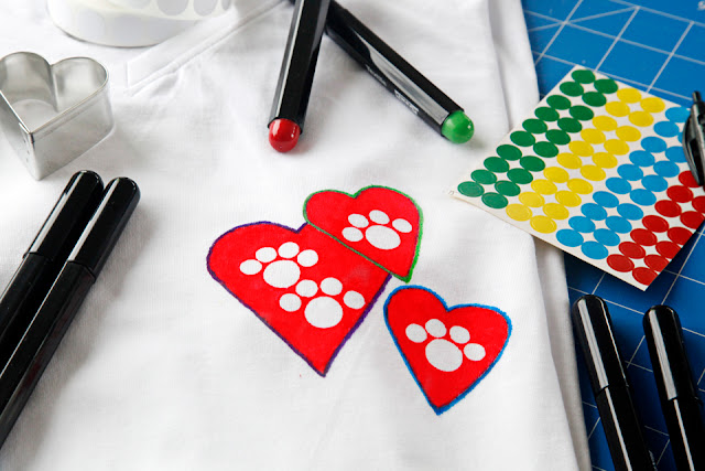 Paw print heart t-shirt DIY with fabric markers