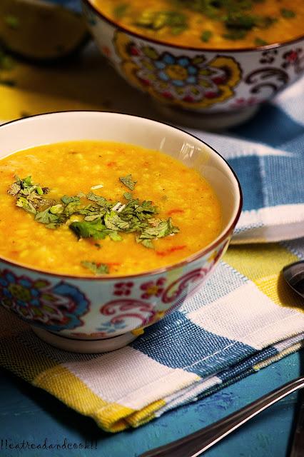 easy and simple bengali recipe and preparation Bengali Niramish Khichuri recipe / Bengali Pure Vegetarian Khichdi recipe / Bengali Mug daler Khichuri recipe / Bengali Moong Dal khichdi recipe with step by step pictures