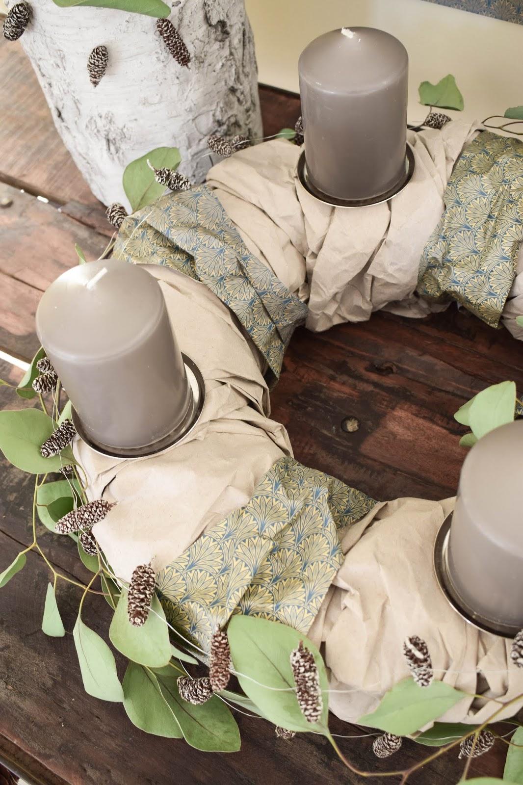 Adventskranz selber machen aus Papier DIY Ideen Papierkranz mit Papier von arsEdition und Eukalyptus Zapfen Dekoidee Kranz für Advent