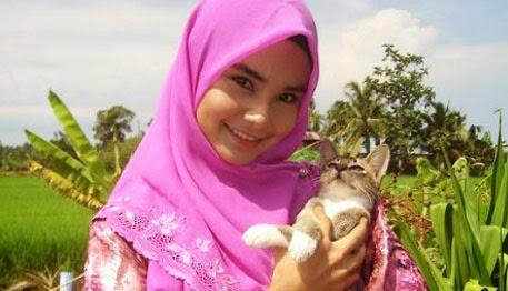 Foto Artis Cantik Malaysia HOT