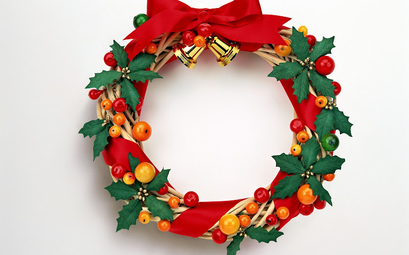 High Resolution Christmas Wreath Wallpaper title=