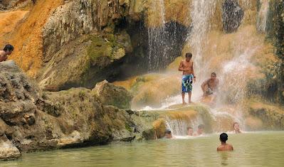 Hot spring side Lake Segara Anak altitude 2000m - Mount Rinjani