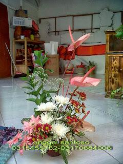 bouquet bunga meja segar toko bunga surabaya, toko bunga online surabaya, toko bunga murah surabaya, karangan bunga surabaya, florist surabaya, florist di surabaya, florist surabaya murah, florist online surabaya