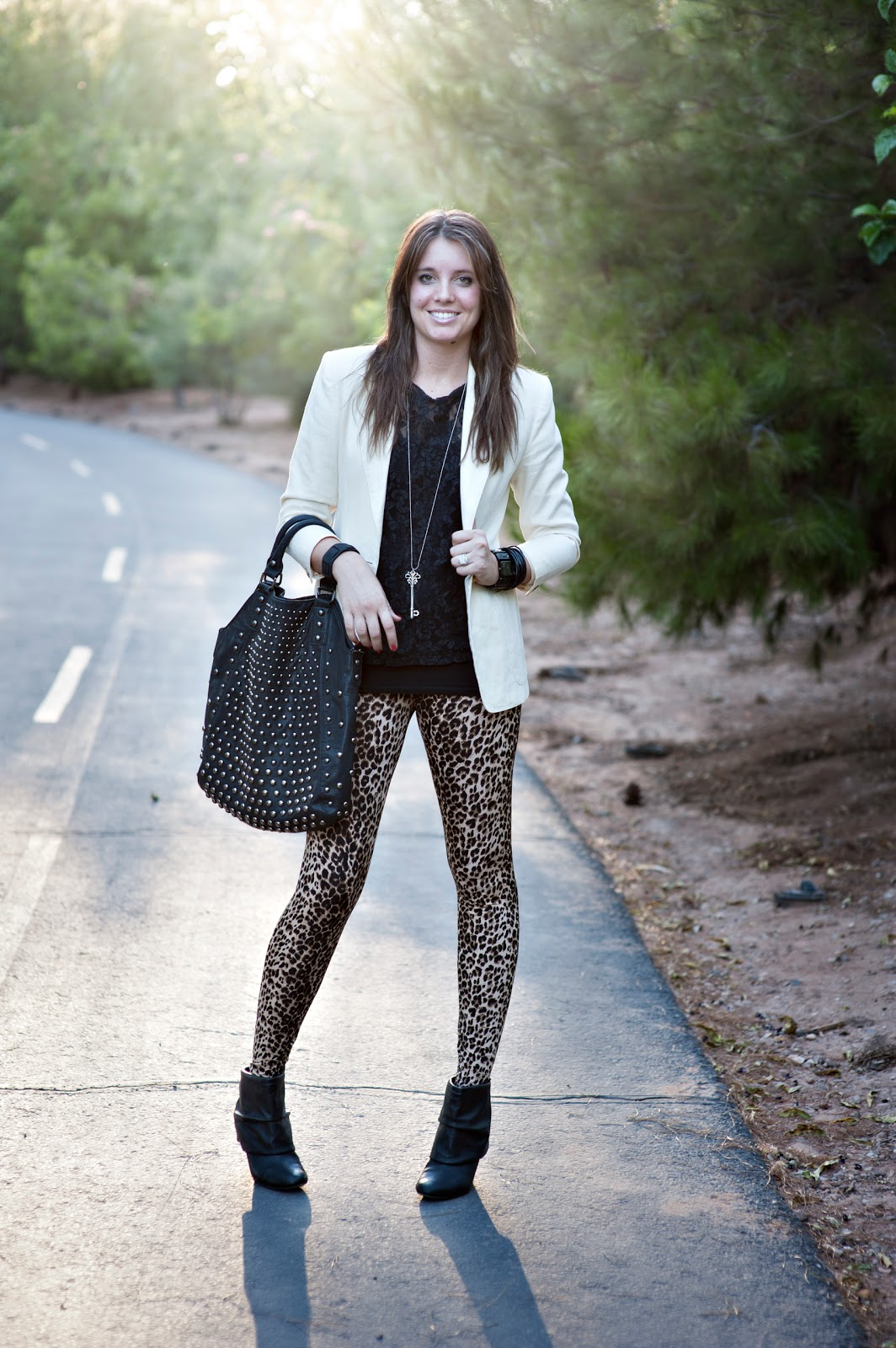 Utah Fashion Blogger, Thrifted, Leopard Leggings
