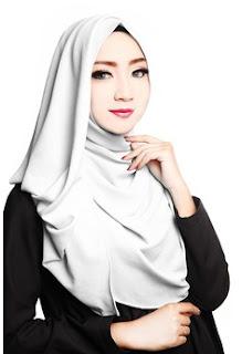 Model Jilbab Instan Warna Putih