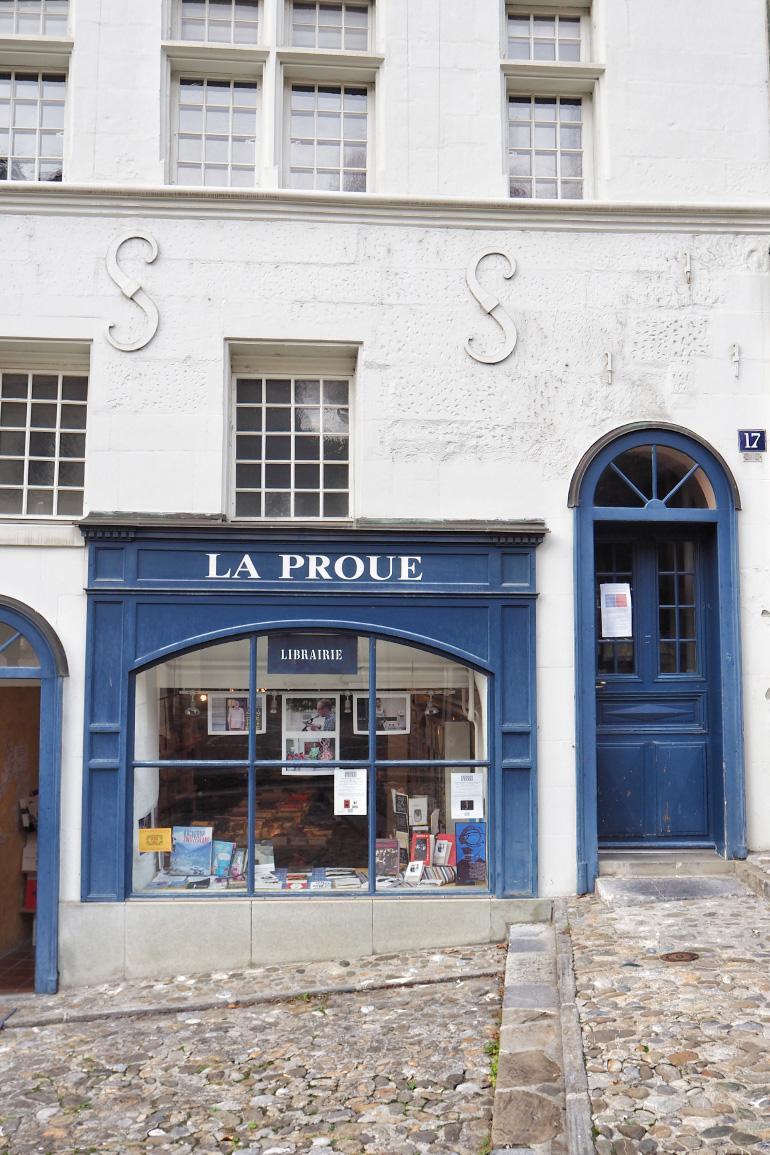 Librairie dans les rues de Lausanne en Suisse