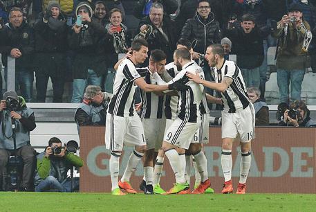 Coppa Italia: trionfo Juve tra le polemiche, contro il Napoli la decidono Dybala e Higuain