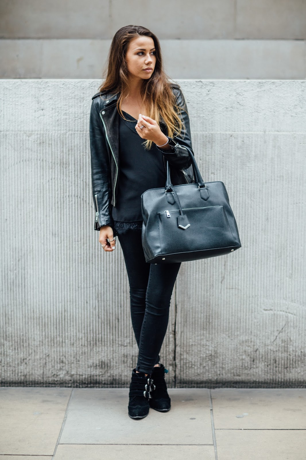 all black outfit for autumn 2016