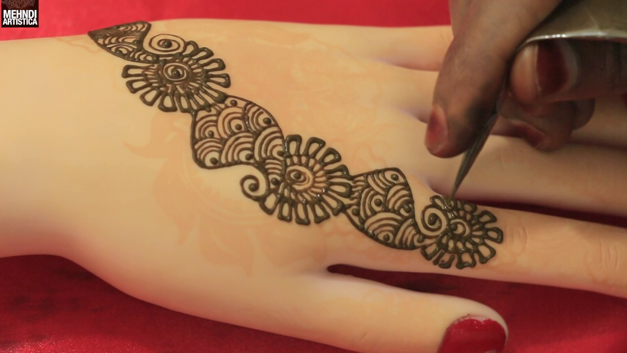 95fccd605 Eid is coming and young girls are searching for Pakistani Mehndi Designs  2017. After one month of Ramadan we will celebrate festival of Eid.