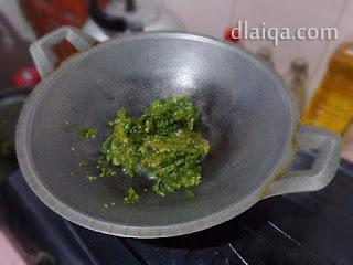 proses menumis sambal