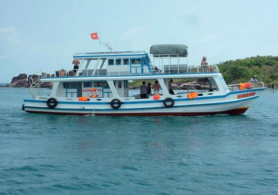 Tàu câu cá Phú Quốc
