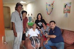 Kunjungan Ke Umat Theresia 5 Yang Sedang Sakit